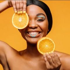 Vitamina C: contamos como e por que o nutriente pode salvar a sua pele - M de Mulher