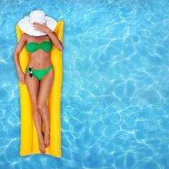 Conheça o cloro: um grande vilão das piscinas para sua pele