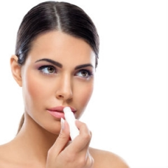 Veja o que a Dra. Gabriella Albuquerque fala sobre lábios rachados