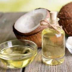 Saiba os benefícios do óleo de coco para seus cabelos e pele