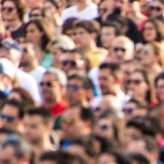 CUIDADO COM A PELE: ROUPAS ESCURAS DEVEM SER EVITADAS DURANTE DIAS DE CARNAVAL? - Site Cuidados Pela Vida